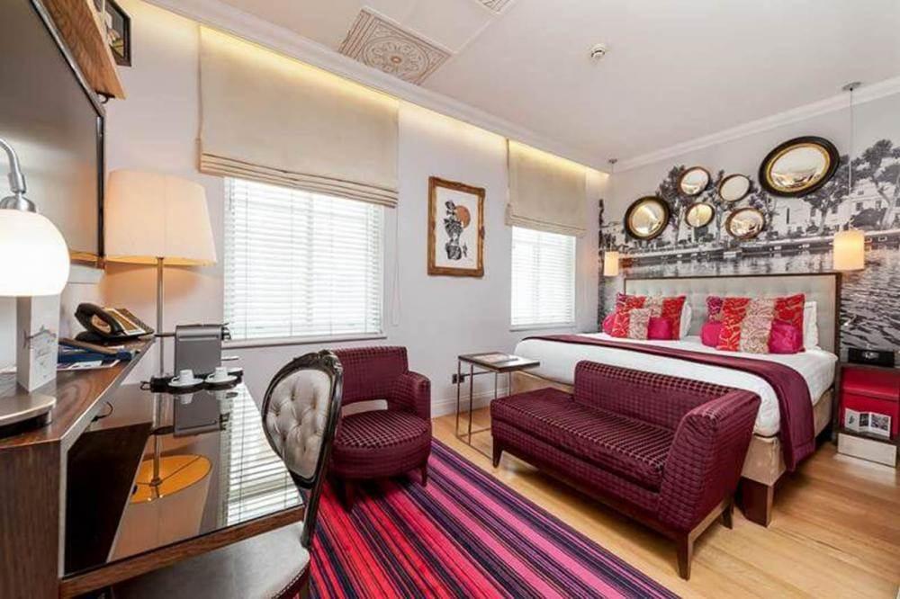 STANDARD QUEEN Standard-Queen-Room